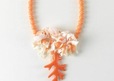 Κολιέ με γυάλινες χάντρες κοχύλια και κοράλι ακρυλικό MER2